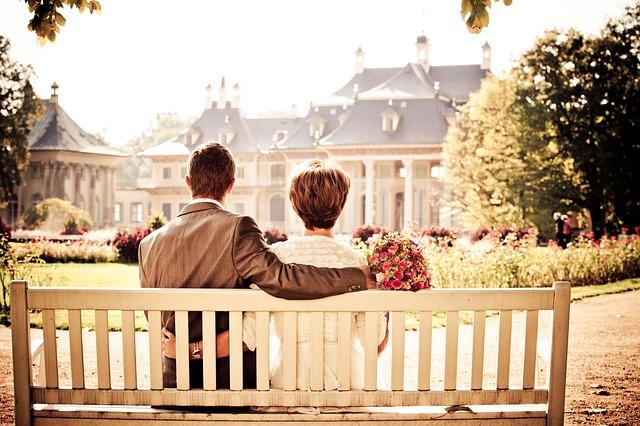 couple-260899_640-1